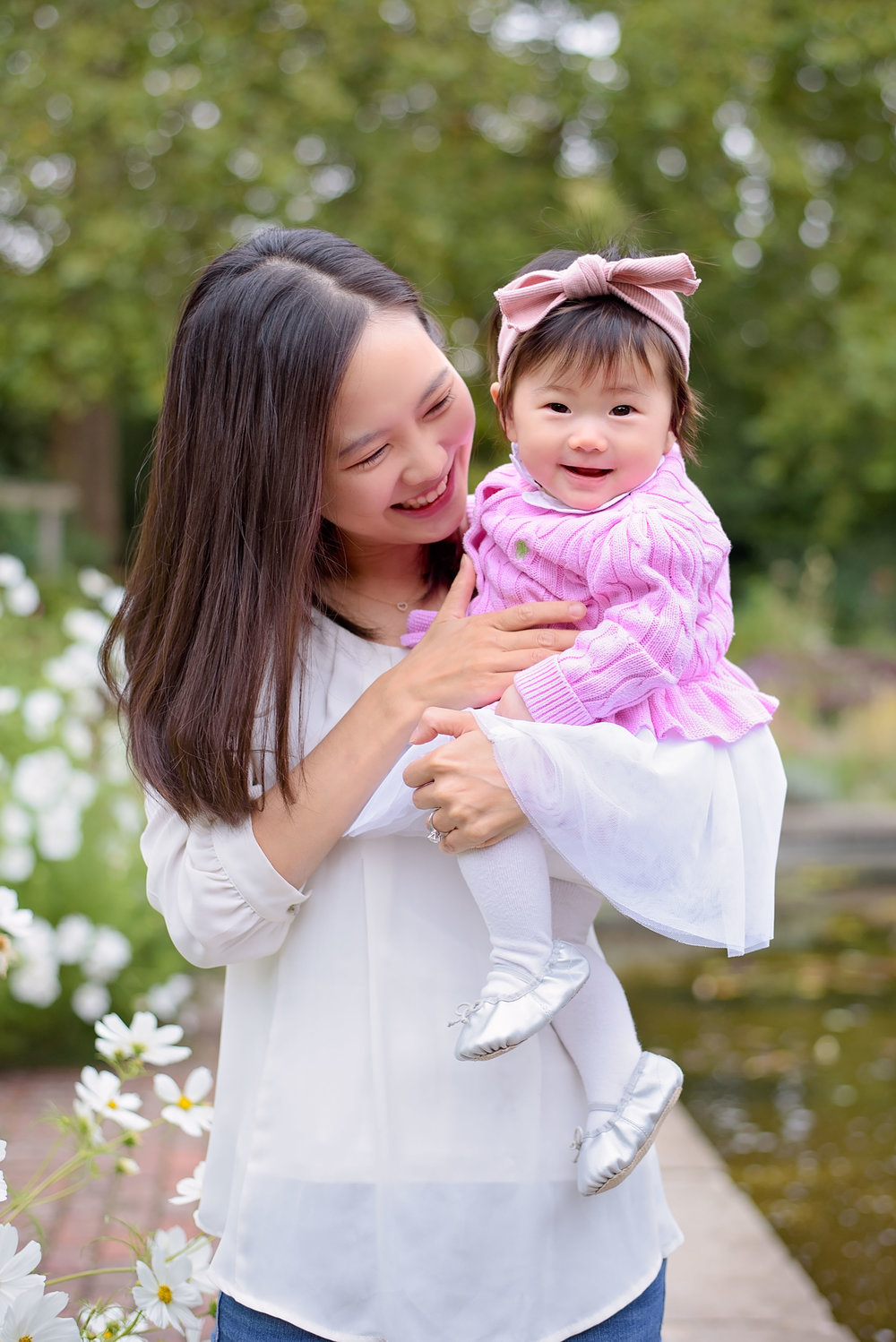 """We had a family photo shooting in Battersea Park last weekend. She took wonderful photos for our family and tried her best to catch every moment in our photo session. I'm very happy to have her and will definitely go back to her in the future again for another family photo shooting. Thank you Heather!"" - Yoonji, Battersea 