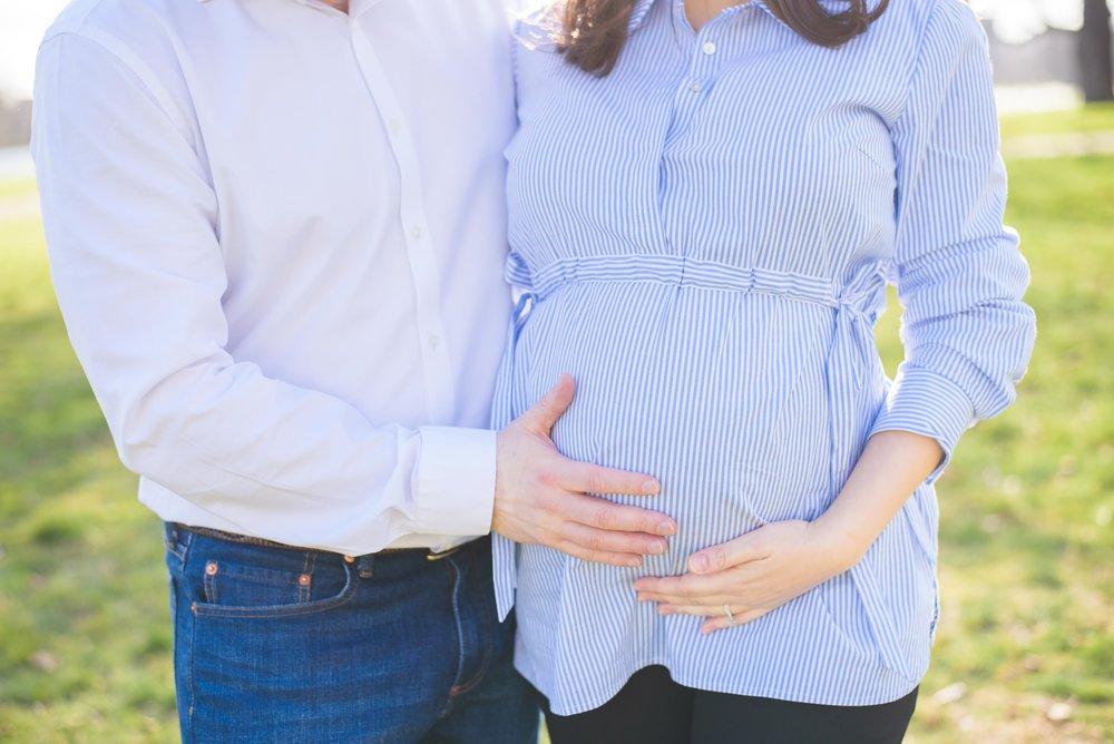 Pregnancy photoshoot with partner