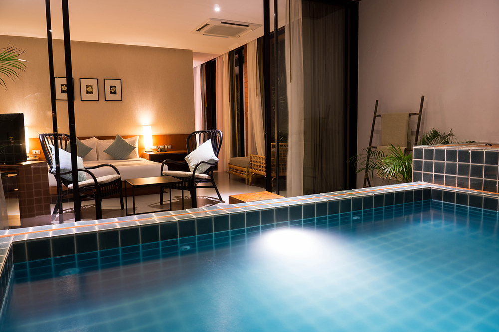 Pool Suite (Click for more info)
