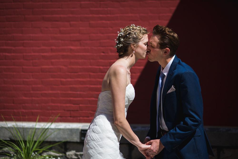 Kara-and-Matt-Buffalo-NY-Stefan-Ludwig-Photography-Depew-Joesephy-Country-Manor-123.jpg