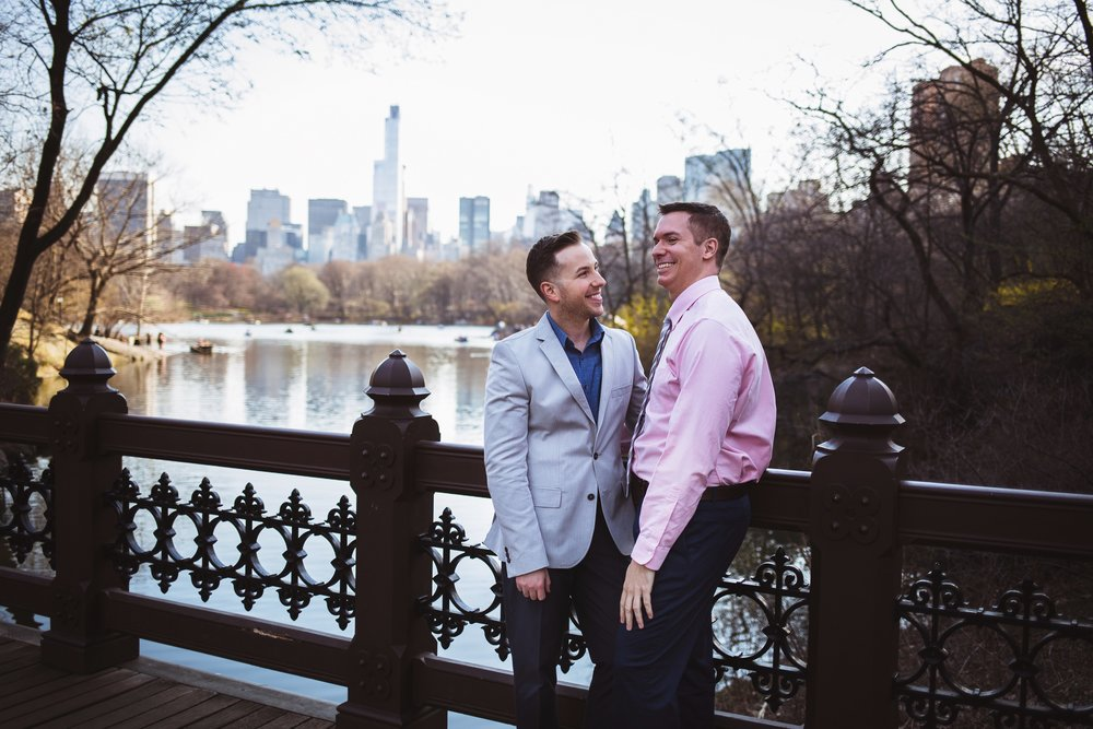 Justin-Bill-Engagement-Photos-NYC-Central-Park-Manhattan-Brooklyn-Bridge-by-Stefan-Ludwig-Photography-25-x.jpg