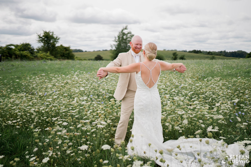 Blog Chelsea and Beau Wedding Photography at Gallagher Barn in Gasport NY by Stefan Ludwig Photography -24.jpg