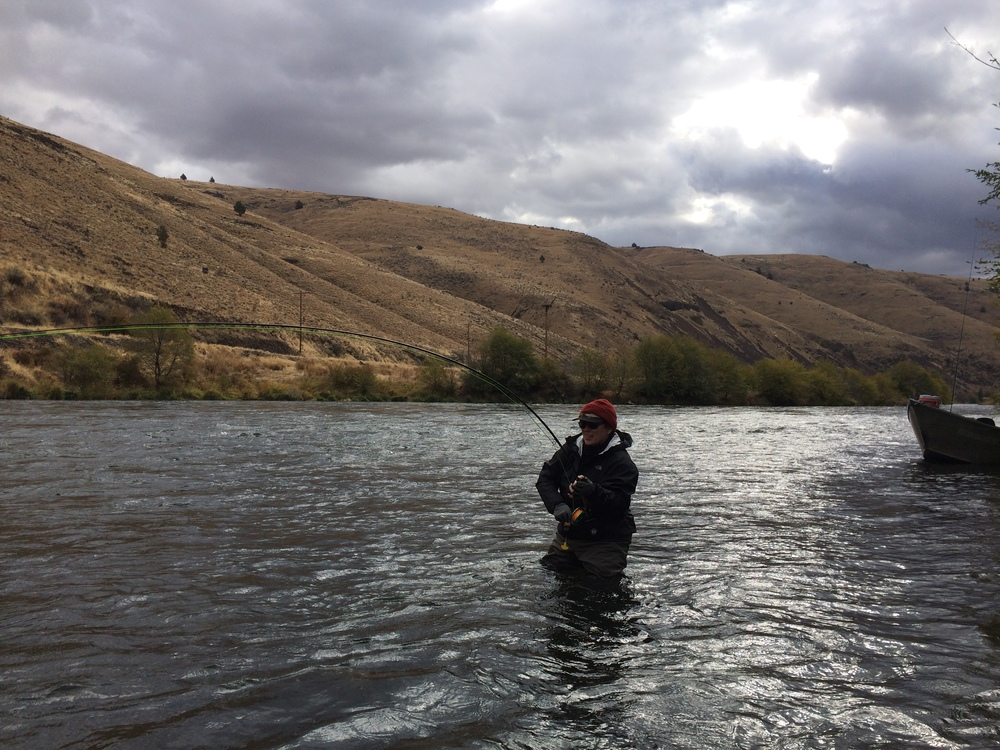 Cheryl O'Neill came out and pretty much dominated! Here she is kooked up with the first of several over two short November days on the river.
