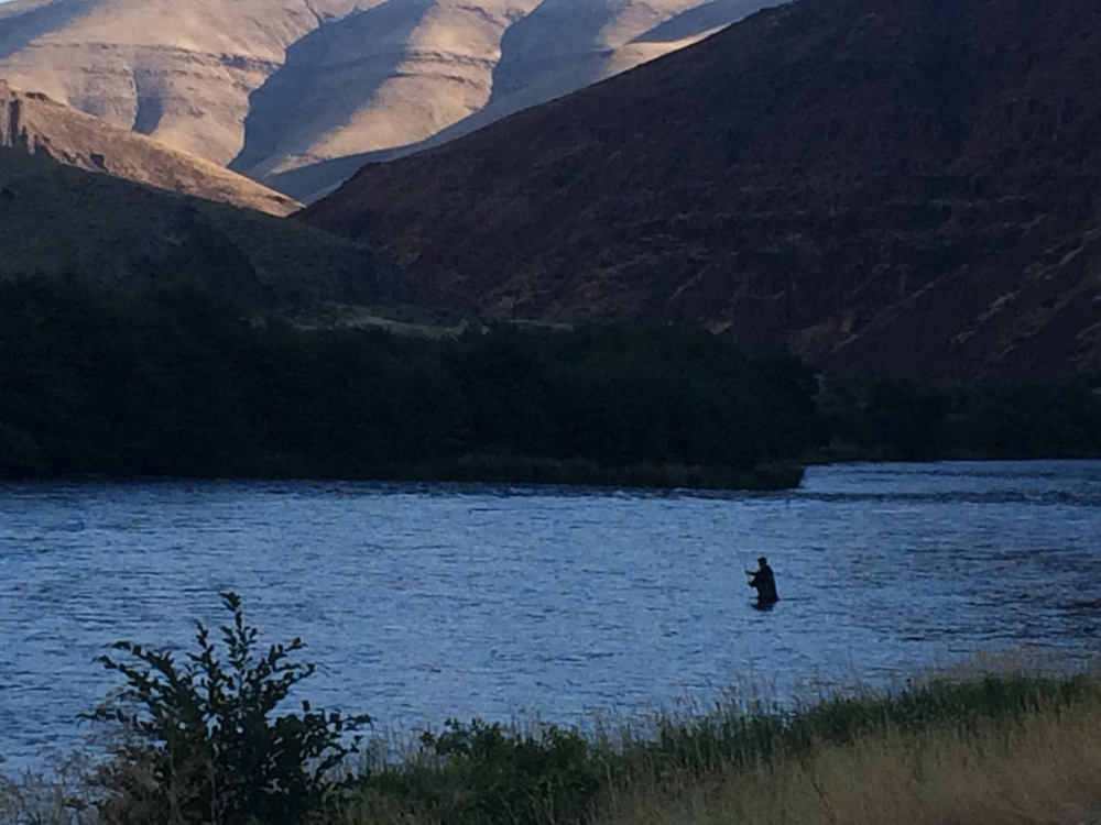 Spey casting through legendary steelhead runs on the Deschutes