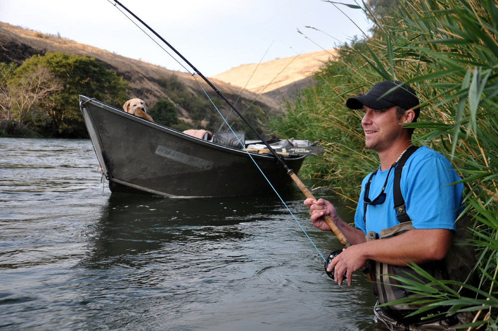 Daily steelhead float trips on the Deschutes near Maupin