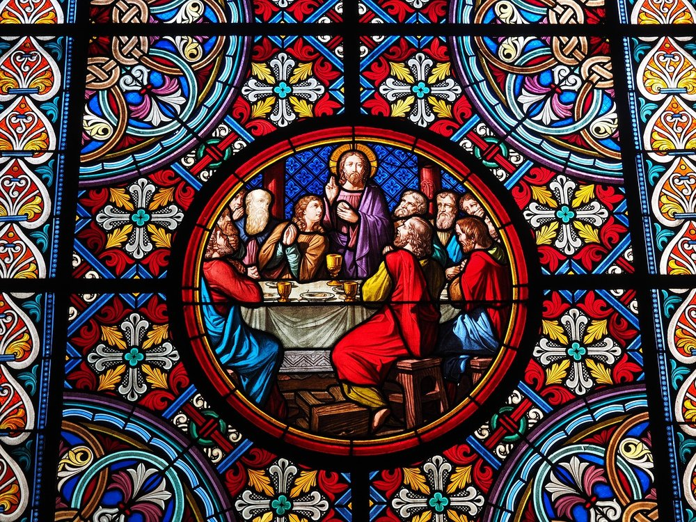 Maundy Thursday last supper color-glass-window-699878_1280.jpg