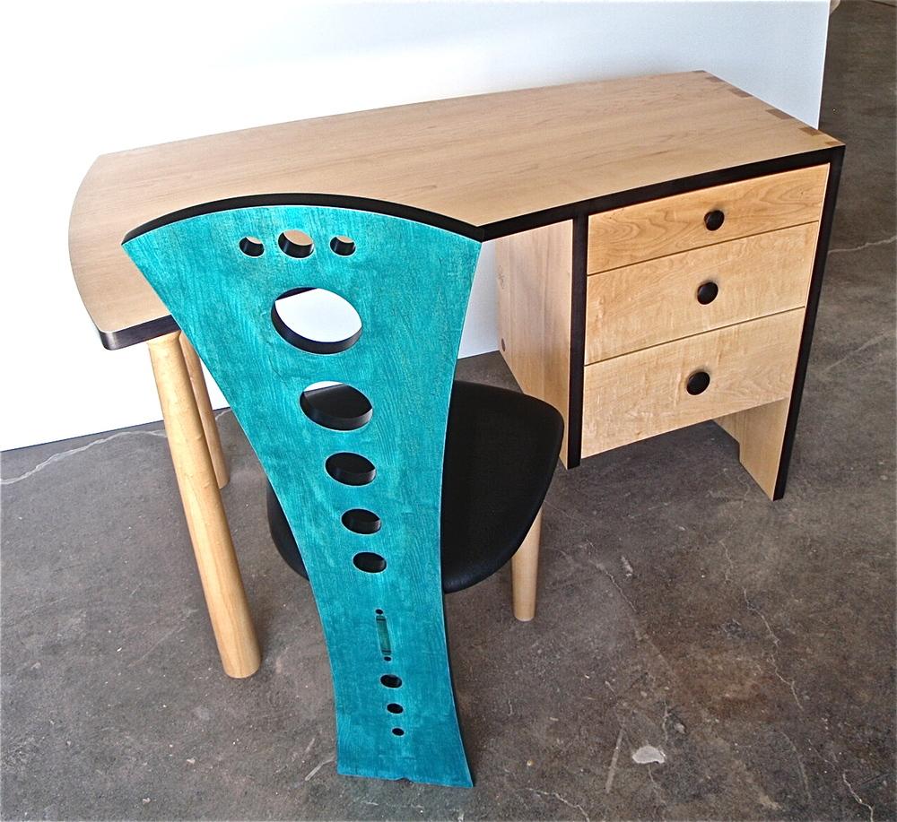 Tairone desk, V1.