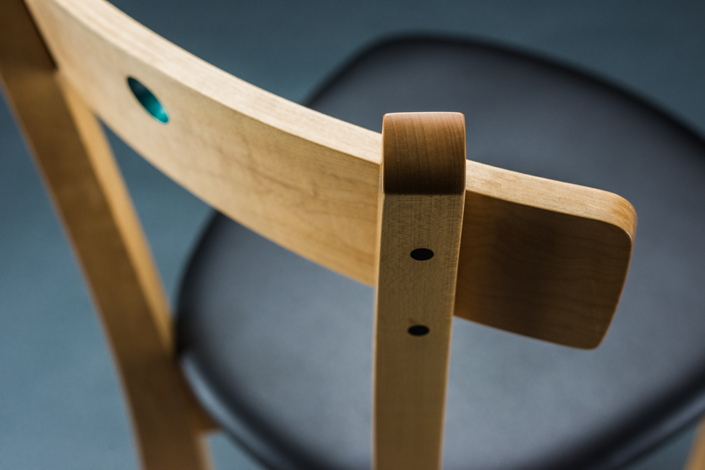 Blue dot chair