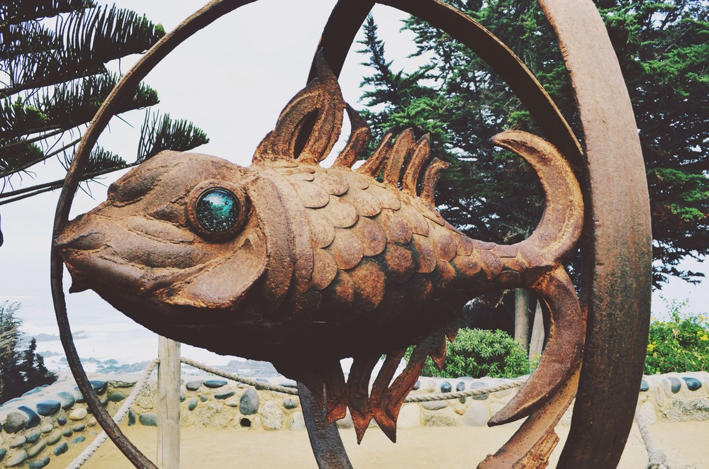 sculpture outside the museum overlooking the sea //
