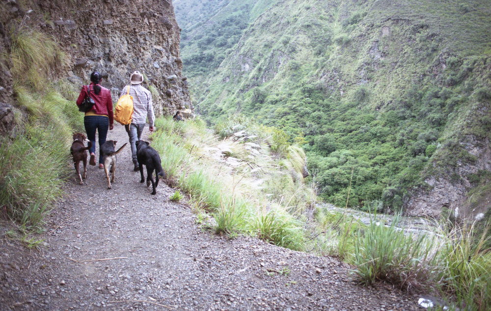 Hikers outside Cochabamba