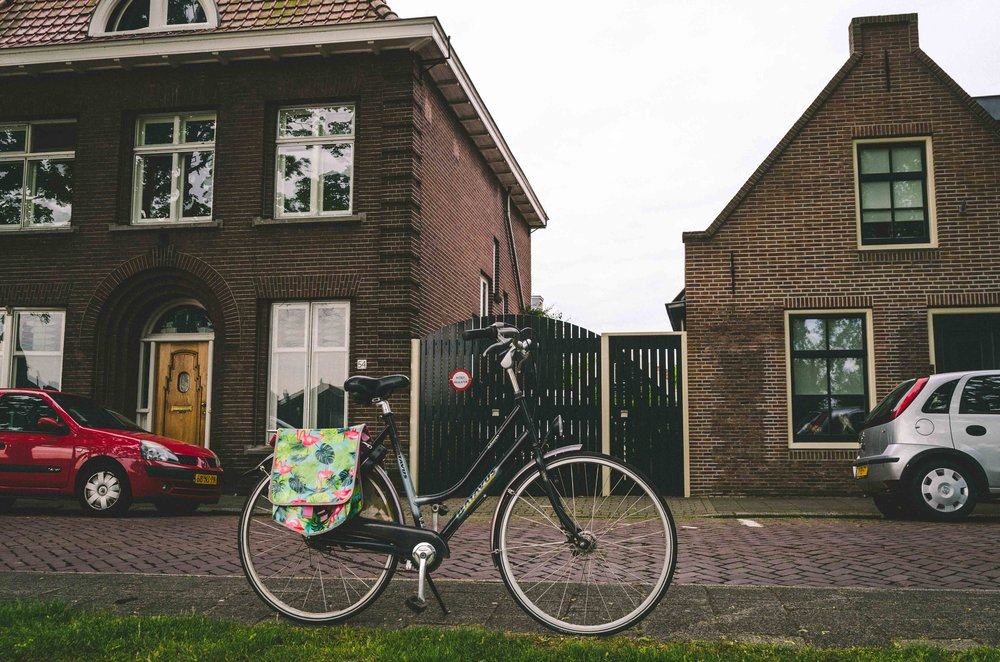 The lovely bicycle my friend let me borrow, complete with saddle bags