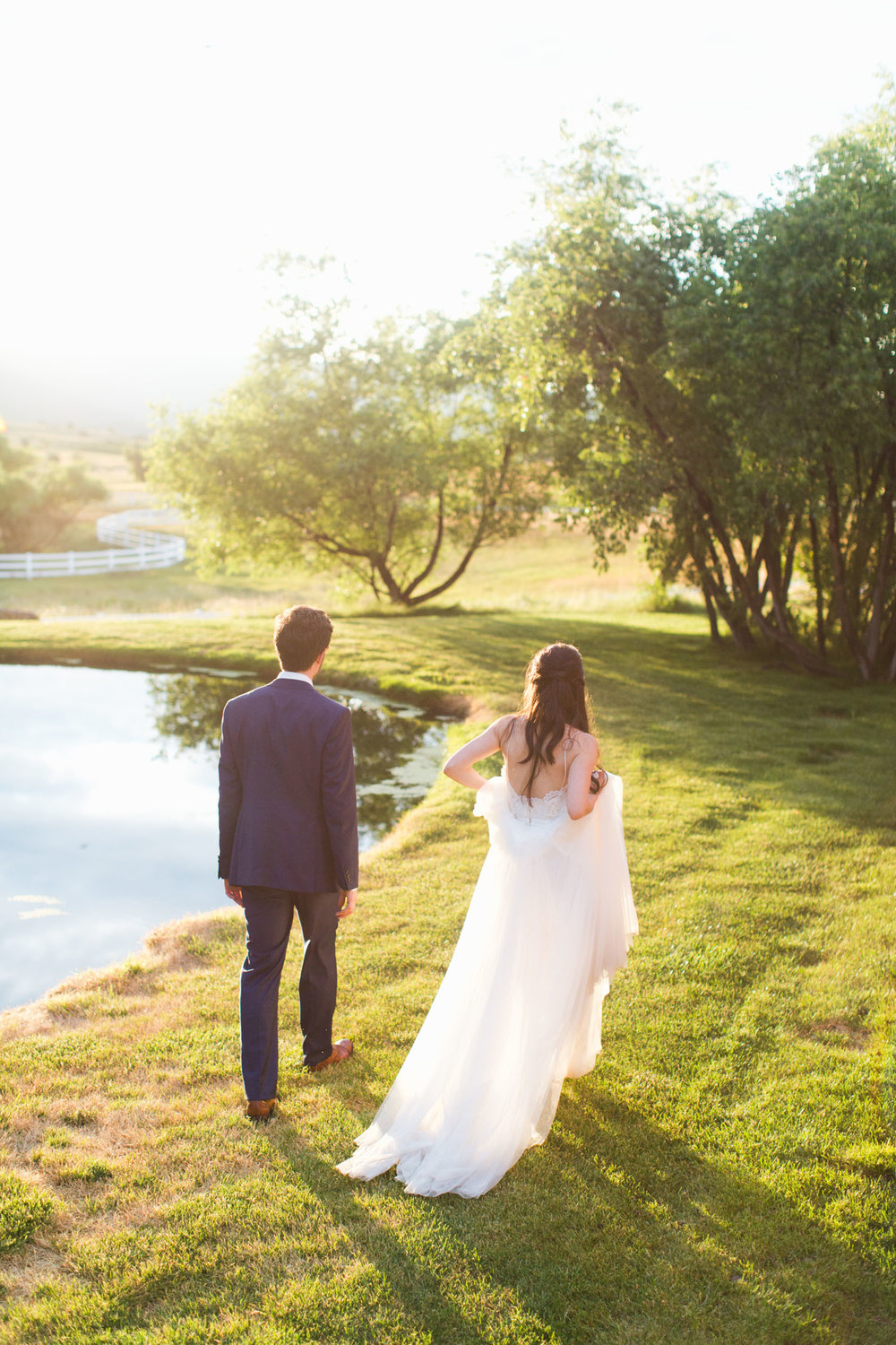 www.thestyledsoiree.com | Crooked Willow Farm Real Wedding | Colorado Wedding Locations