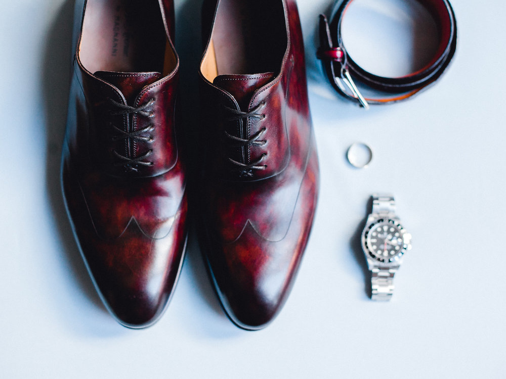 Groom's shoes and accessories for his wedding day
