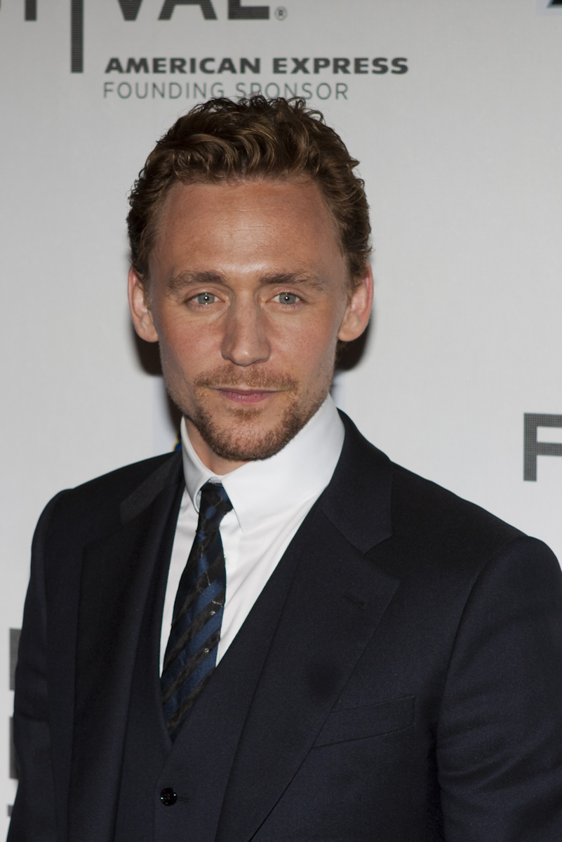 Tom_Hiddleston_(Avengers_Red_Carpet).jpg