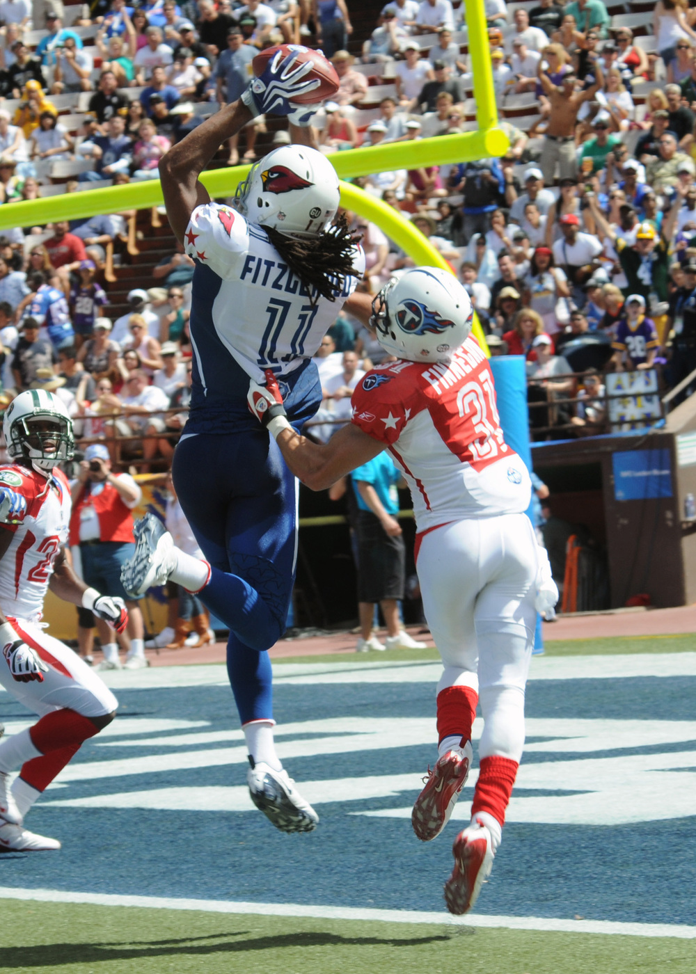 Larry_Fitzgerald_catches_TD_at_2009_Pro_Bowl.jpg