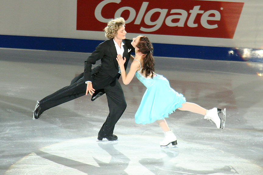 Charlie White and Meryl Davis at the 2006 Skate Canada. Photograph by Caroline Paré.