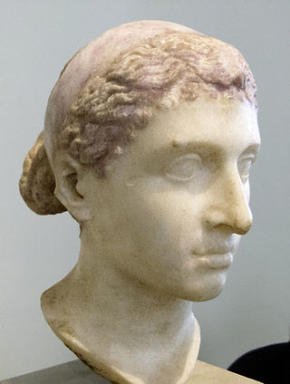 Not quite Liz Taylor: Bust of Cleopatra as she was, a Hellenistic matron. Altes Museum, Berlin