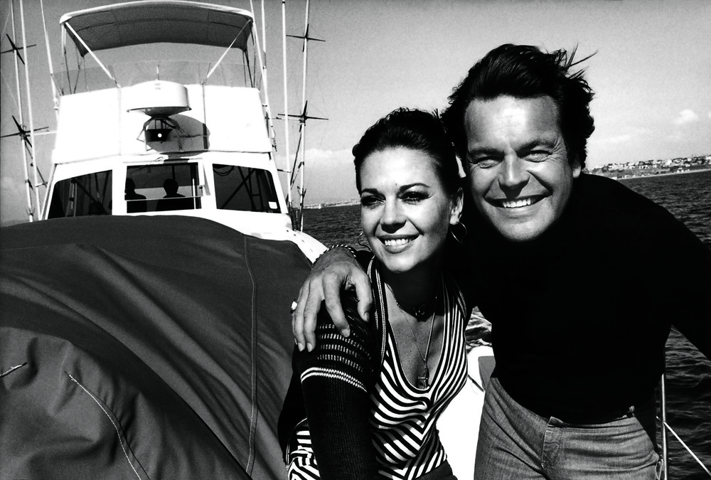 © The Stylish Life - Yachting, published by teNeues, www.teneues.com. Natalie Wood and Robert Wagner, Photo © Steve Schapiro/Corbis.
