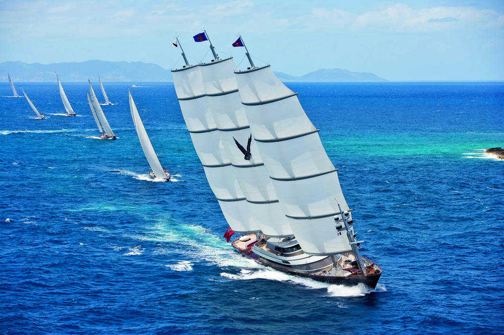 © The Stylish Life - Yachting, published by teNeues, www.teneues.com. Sailboats Racing, Photo © Onne van der Wal/Corbis.