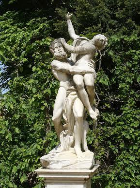 """""""Pluto und Proserpina (Persephone)""""-Glocken Fontäne Rondell – Sanssouci. Photograph by Steffen Heilfort."""