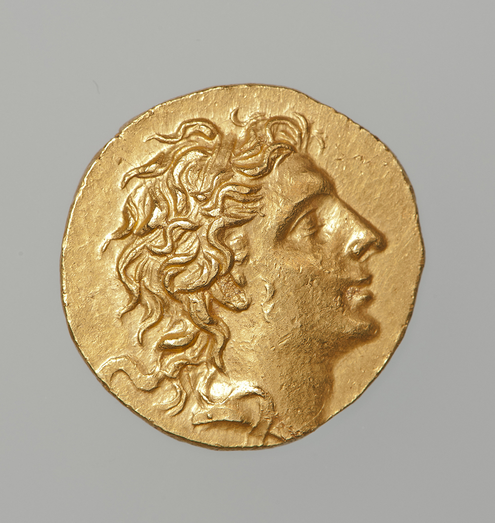 """""""Stater of Mithridates VI Eupator Dionysos,"""" Greek, late Hellenistic period, 86-85 B.C., gold. Numismatic Museum, Athens. Image copyright Epigraphic and Numismatic Museum, Athens."""