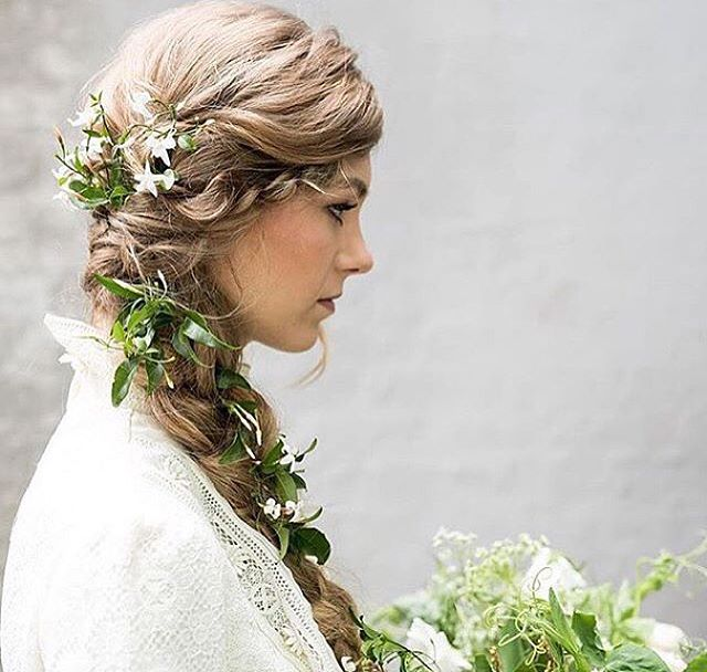 Inspiration for the night 🌿 just a perfect braid… adore it so much💗 #tatyanamerenyuk #fashion #style #stylish #cute #hair #beauty #beautiful #pretty #design #dress #wedding #weddingdress #bohochick #boho #whitedress #weddinginsporation #lace #bohemianwedding #bride #nycdesigner #brooklynbride #bridalinspiration #bridaldress #whimsy #flowers
