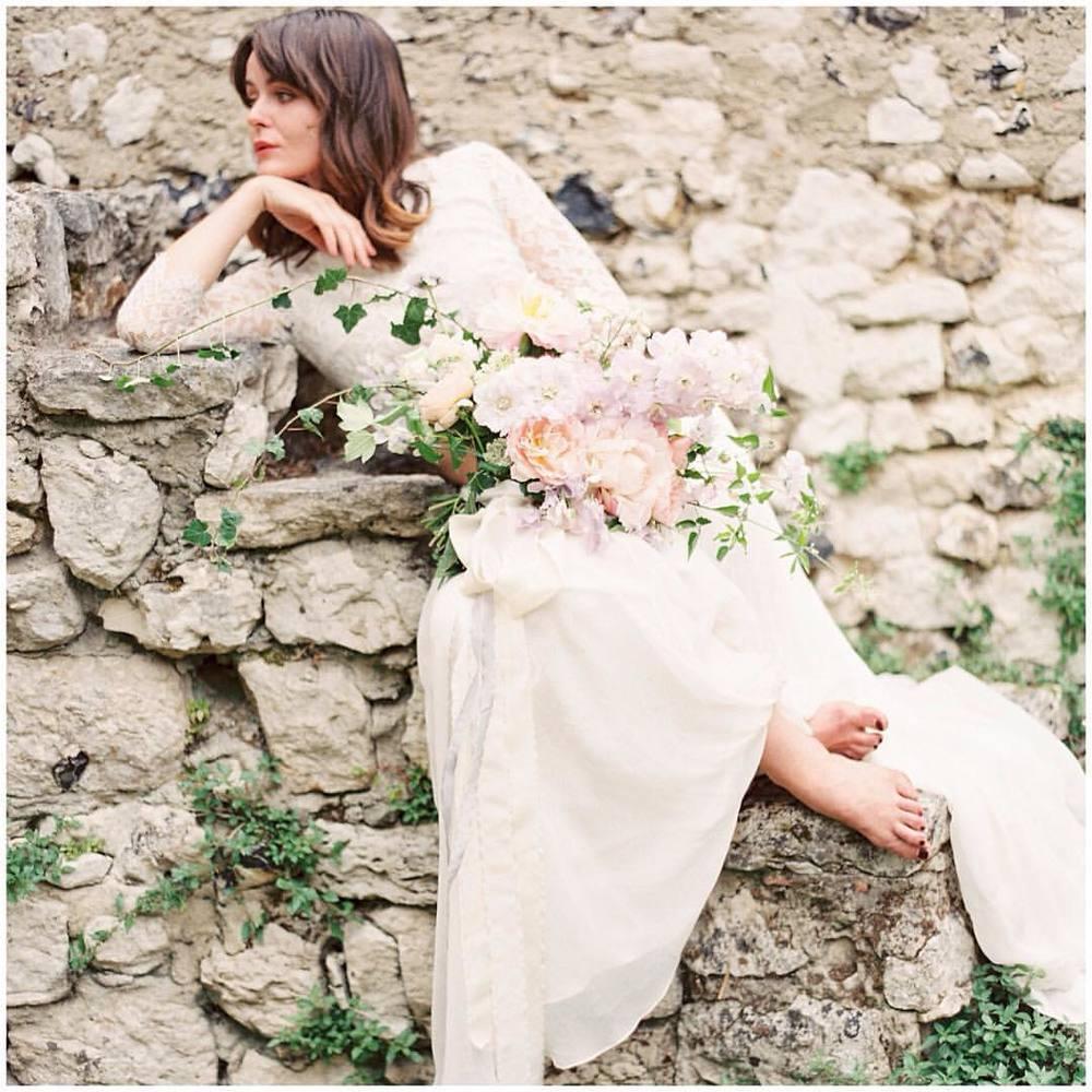 Good morning beautiful 🌸🌸🌸! So much loveliness on the way, adore this look and hair and lovey girl #tatyanamerenyuk #tatyanamerenyukbridal #fashion #style #stylish #cute #tatyanamerenyukbridal #hair #beauty #beautiful #pretty #design #bridaldress #dress #wedding #weddingdress #bohochick #boho #whitedress #weddinginsporation #lace #bohemianwedding #bride #nycdesigner #brooklyndesigner #bridal #brooklynbride #kaylabarkerworkshop