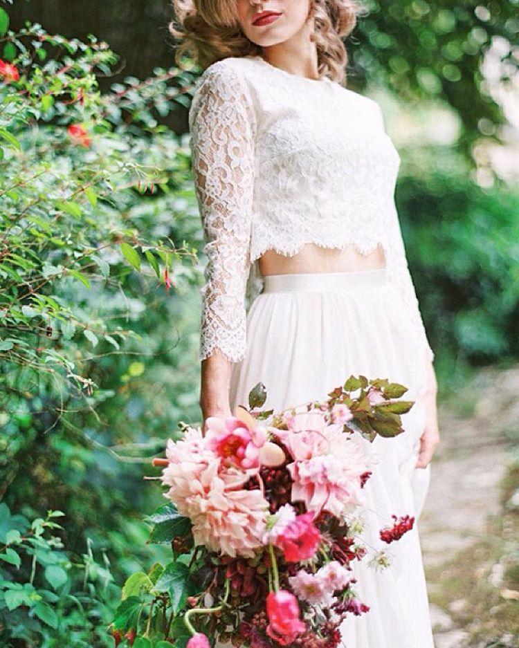 I love Sundays 💕💕💕….have a good one! Repost from @tlbsllc thank you everyone for these magical images…. #kaylabarkerworkshop #tatyanamerenyukbridal #hair #beauty #beautiful #pretty #design #bridaldress #dress #wedding #weddingdress #bohochick #boho #whitedress #weddinginsporation #lace #bohemianwedding #bride #nycdesigner #brooklyndesigner #bridal #brooklynbride