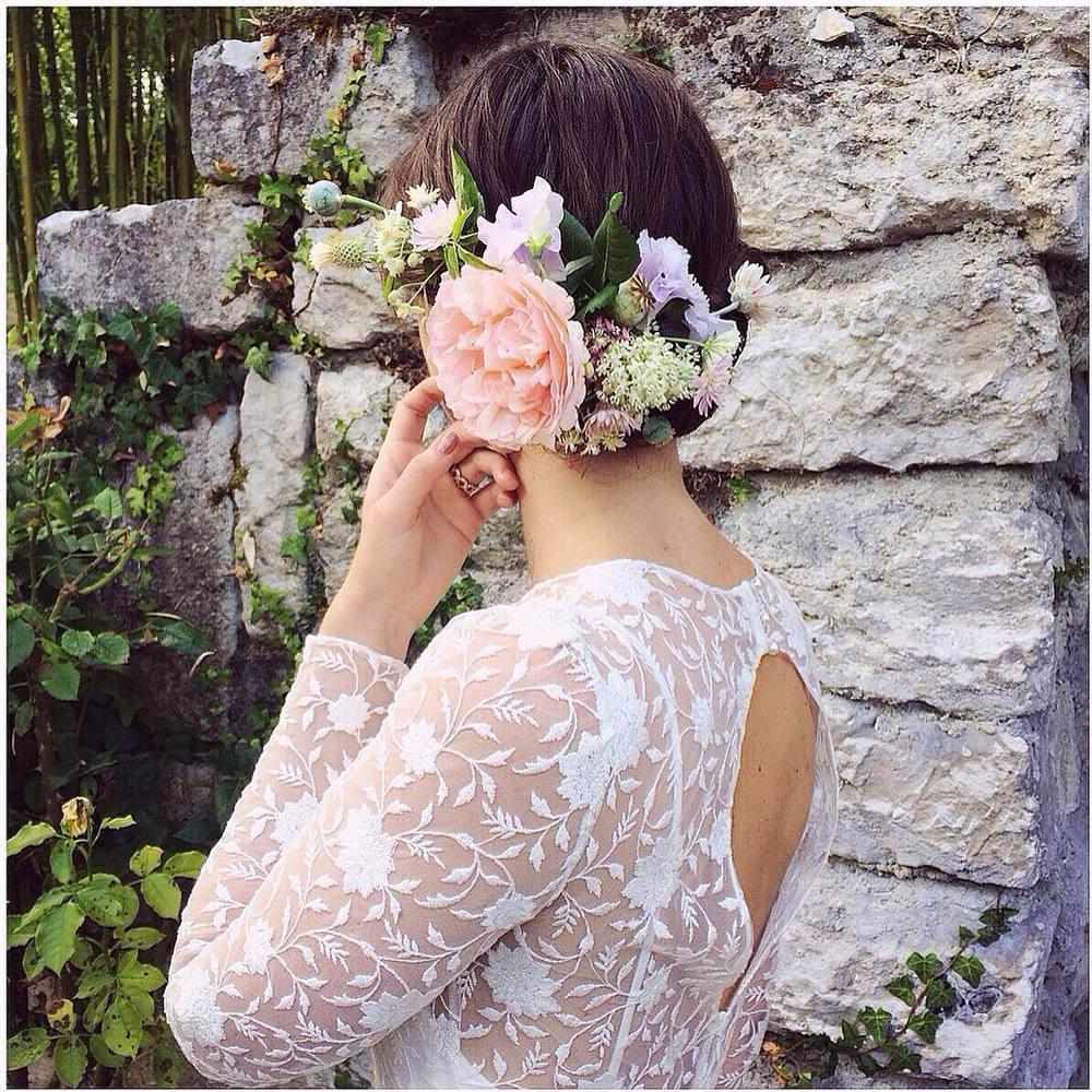 Loving this sneak peak by @kaylabarkerphoto and @bowsandarrowsflowers so pretty… And that lace 😍 so dreamy. #tatyanamerenyuk #tatyanamerenyukbridal #fashion #style #stylish #cute #tatyanamerenyukbridal #hair #beauty #beautiful #pretty #design #bridaldress #dress #wedding #weddingdress #bohochick #boho #whitedress #weddinginsporation #lace #bohemianwedding #bride #nycdesigner #brooklyndesigner #bridal #brooklynbride