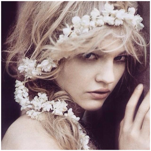 Inspiration for the night…. With the ever so stunning Sasha Pivarova ❤️ #tatyanamerenyuk #tatyanamerenyukbridal #fashion #style #stylish #cute #tatyanamerenyukbridal #hair #beauty #beautiful #instagood #pretty #design #bridaldress #dress #wedding #weddingdress #bohochick #boho #whitedress #weddinginsporation #lace #bohemianwedding #bride #nycdesigner #californiabride #bridal #californiawedding #hairinspo