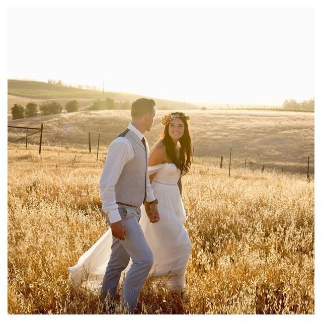 May your day be filled with lots of love and sunshine. ☀️☀️☀️#tatyanamerenyuk #tatyanamerenyukbridal #fashion #style #stylish #cute #tatyanamerenyukbridal #hair #beauty #beautiful #instagood #pretty #design #bridaldress #dress #wedding #weddingdress #bohochick #boho #whitedress #weddinginsporation #lace #bohemianwedding #bride #nycdesigner #californiabride #bridal #californiawedding