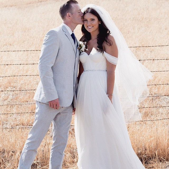 Happy Saturday! Loving this gorgeous California couple and the bride in my Custom gown 💕 #tatyanamerenyuk #tatyanamerenyukdesigns #fashion #style #stylish #cute #photooftheday #hair #beauty #beautiful #instagood #pretty #design #model #dress #wedding #weddingdress #bohochick #boho #whitedress #weddinginsporation #lace #bohemianwedding #bride #nycdesigner