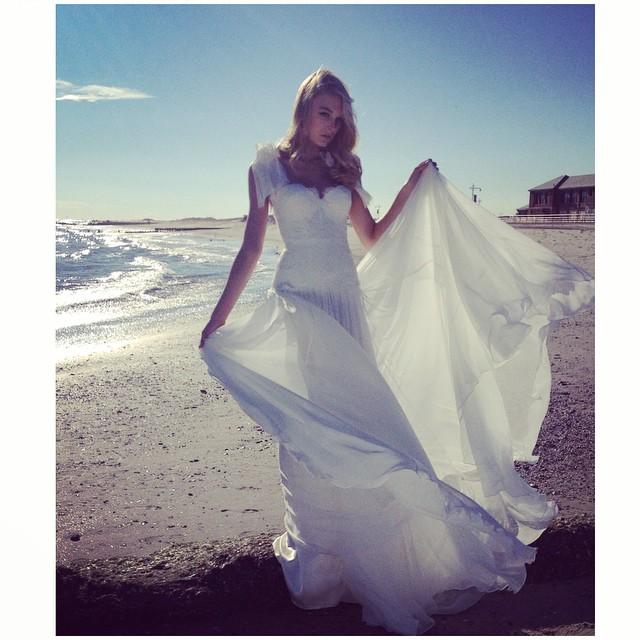 The lace bodice gown🌸 Beautiful fittings this beautiful Saturday in Brooklyn 💕 #tatyanamerenyuk #tatyanamerenyukdesigns #fashion #style #stylish #cute #photooftheday #beautiful #instagood #pretty #swag #girl #design #model #dress #wedding #weddingdress #bohochick #boho #whitedress #weddinginsporation #bohobride