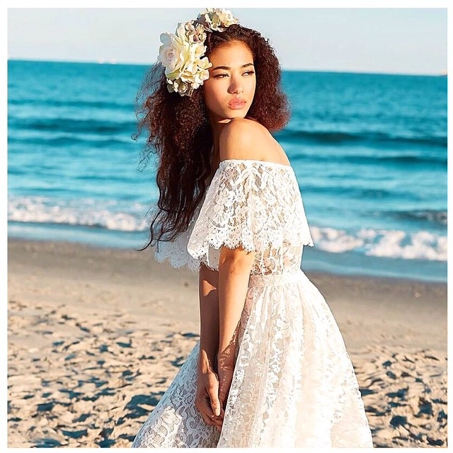 Good morning! My bohemian babe☀️in a new lace creation. #tatyanamerenyuk #tatyanamerenyukbridal #bohobride #boho #bohemian #bohochick #bohemianwedding #wedding #weddingdress #weddinginspiration #bride #fashion #dress #whitedress #nycdesigner