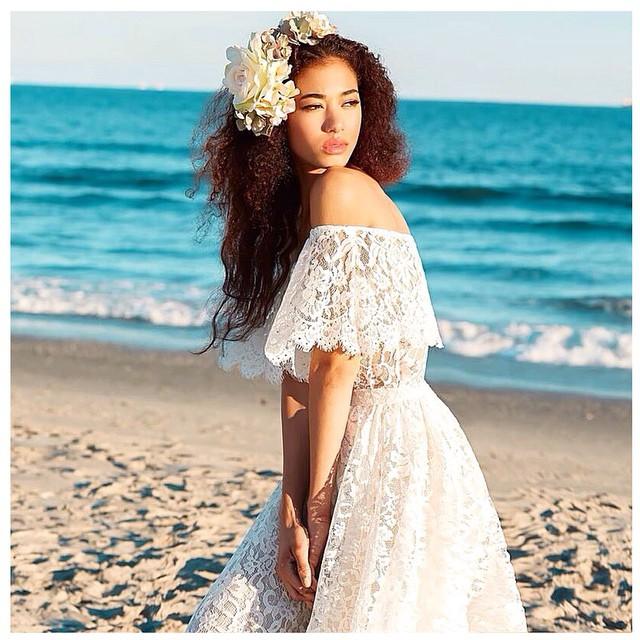 Good morning! My bohemian babe☀️in a new lace creation. #tatyanamerenyuk #tatyanamerenyukbridal #bohobride #boho #bohemian #bohochick #bohemianwedding #wedding #weddingdress #weddinginspiration #bride #fashion #dress #whitedress #nycdesigner