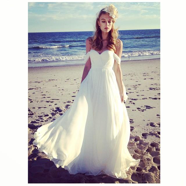 Babe on the beach… Another sneak peak…💕 #tatyanamerenyuk #bridal #wedding #bridaldress #bridalfashion #whitedress #weddingdress #weddinginsporation #boho #bohemian #bohobride #bohochick #bohemianbride #bohemianwedding #fashion #dress #nycdesigner #model #beach #beachwedding