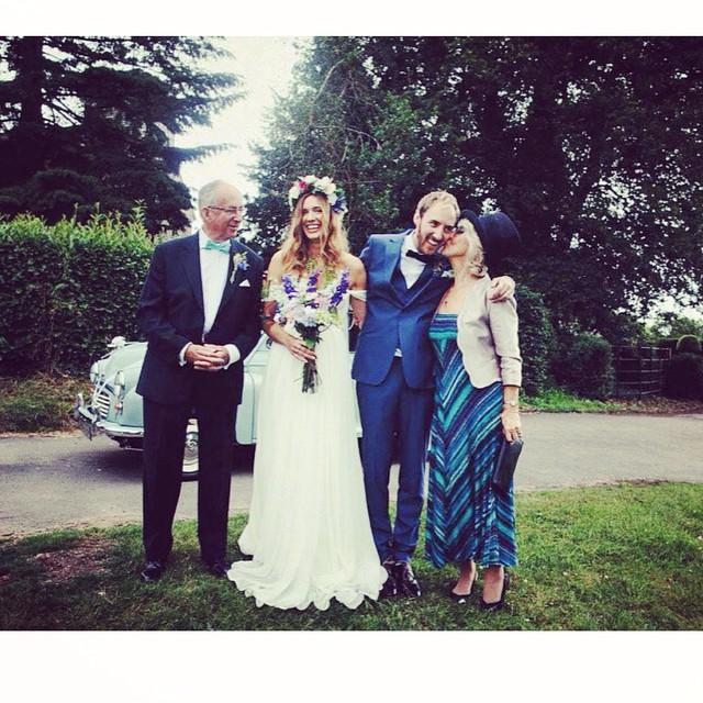 How adorable is this English wedding! My gorgeous bride Anna🌸 #tatyanamerenyuk #tatyanamerenyukbridal #wedding #whitedress #weddingdress #weddinginspiration #englishwedding #fashion #boho #bohochick #bride #bohemian #bohobride #love #nycdesigner
