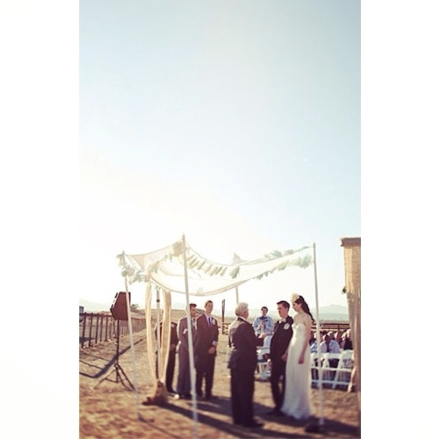 Cheers to a beautiful wedding day! #tatyanamerenyukbridal #bride #bohobride #bridalgown #vintage #weddinginspiration #wedding