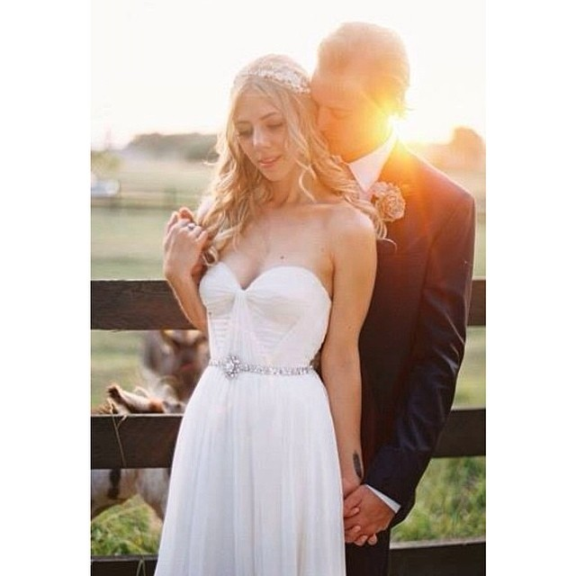 A little love… On this lovely day, Natalie and Kyle❤️ #wedding #weddinginspiration #bohobride #bride #weddingdress #weddingidea #dress #tatyanamerenyukbridal #love #pretty #boho #fashion #nycdesigner