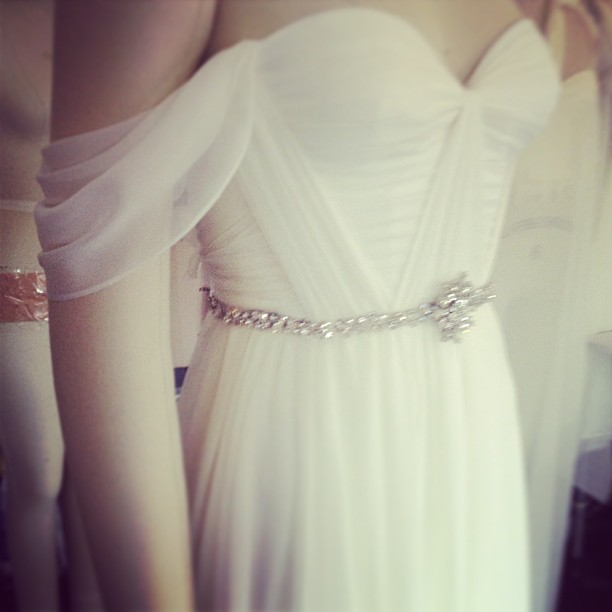 One pretty bride this will be, so loving the draped sleeve❤