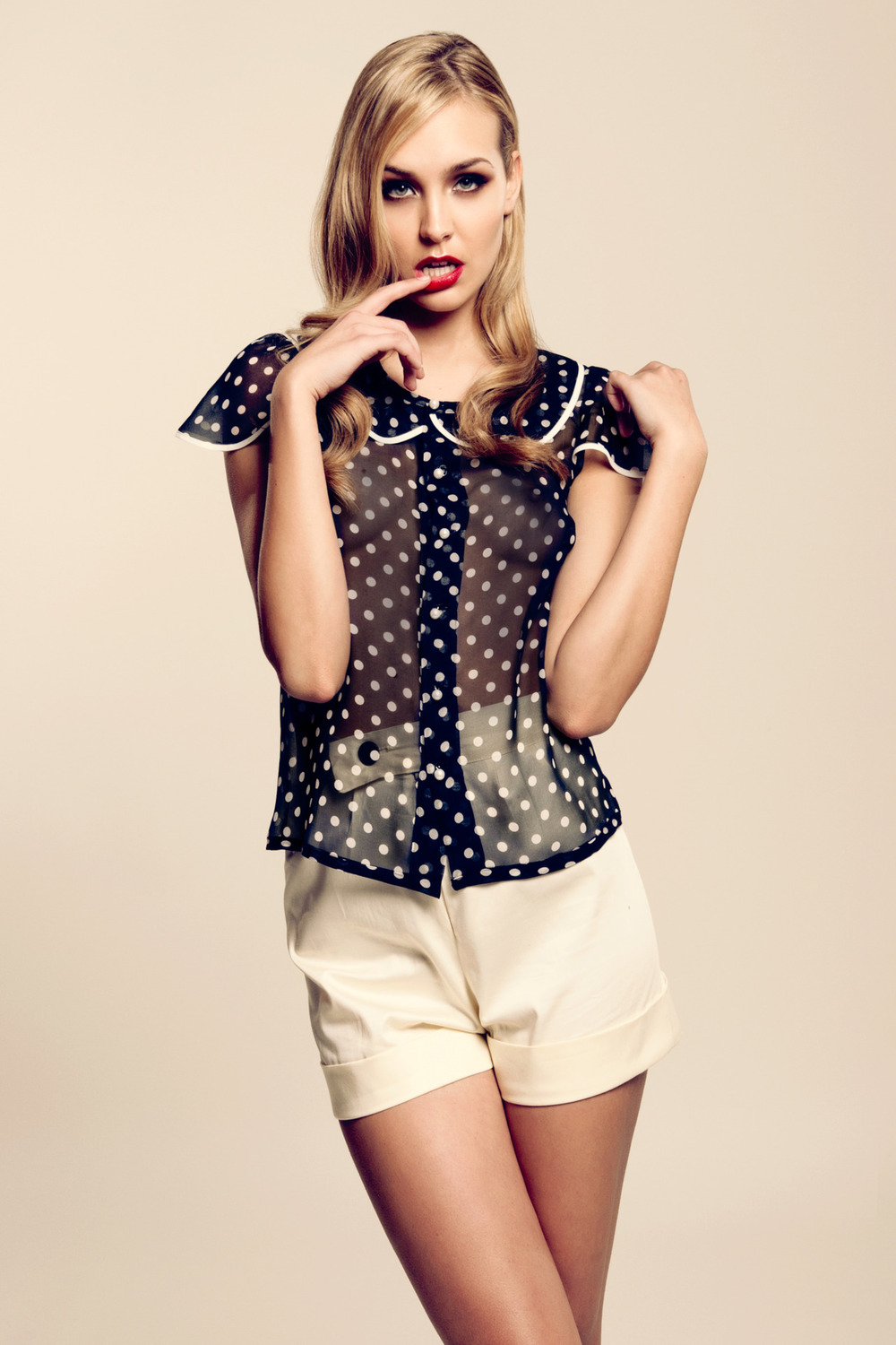 Silk polka dot blouse with pearls♥