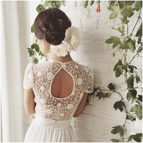 But seriously this back though & flowers …loving it✨✨✨sneak peaks… Night💫#tatyanamerenyuk #fashion #style #stylish #cute #beautiful #instagood #pretty #design #dress #wedding #weddingdress #bohochick #boho #whitedress #weddinginsporation #bohobride #lace #bohemianwedding #bohemian #bride #nycdesigner #brooklynbride #bridalinspiration #bridaldress #whimsy