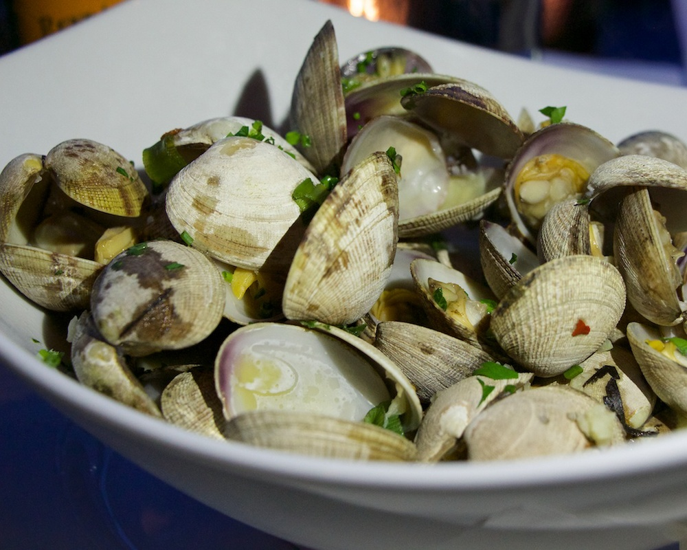Clams at Pickled Fish in Long Beach, WA