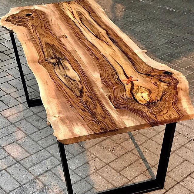 Hey @culturecrawl-ers! Check out work from Ben McLaughlin like this stunning Dining Table made from Vancouver grown English walnut, bubinga hardwood inlay and matte black steel bases. ⠀⠀⠀⠀⠀⠀⠀⠀⠀ Hope to see you at the Yew Woodshop from Nov 15-18! #vancouverculturecrawl