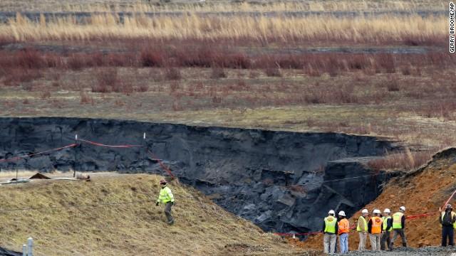 140209142735-04-nc-coal-ash-ap647727992116-horizontal-gallery.jpg