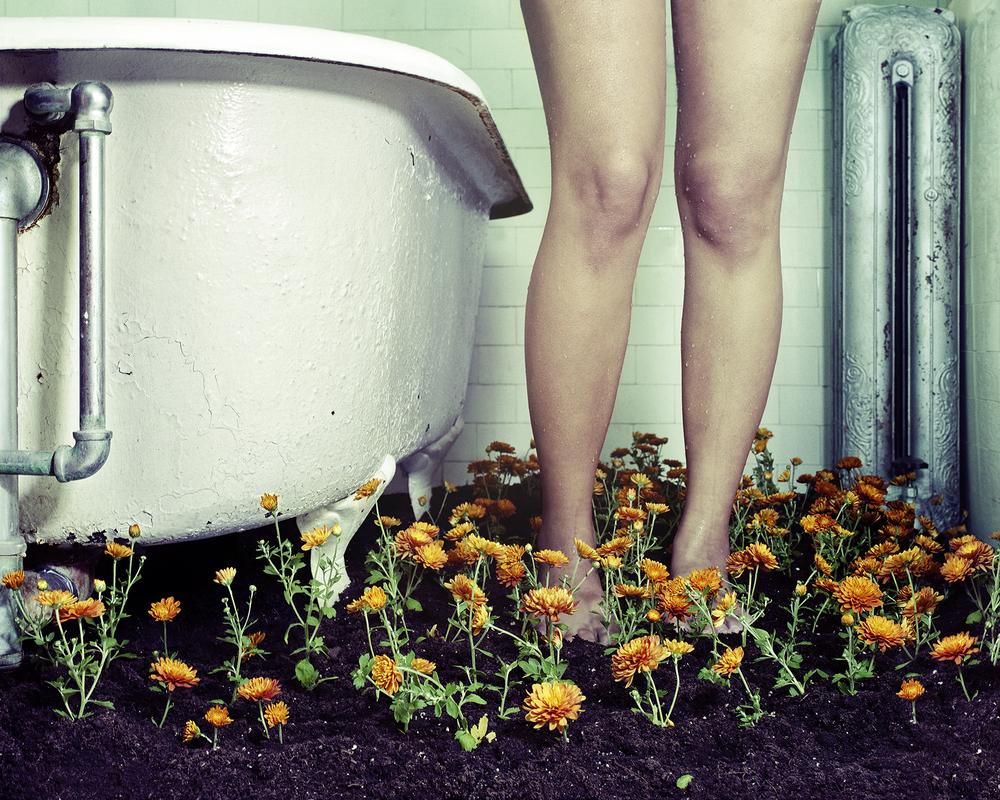 072712 LEGS TUB 01i.jpg
