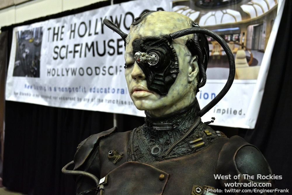 A scarily realistic Borg, at the Hollywood Sci-Fi/Horror Museum booth. A Halloween costume like that, now that would be cool.
