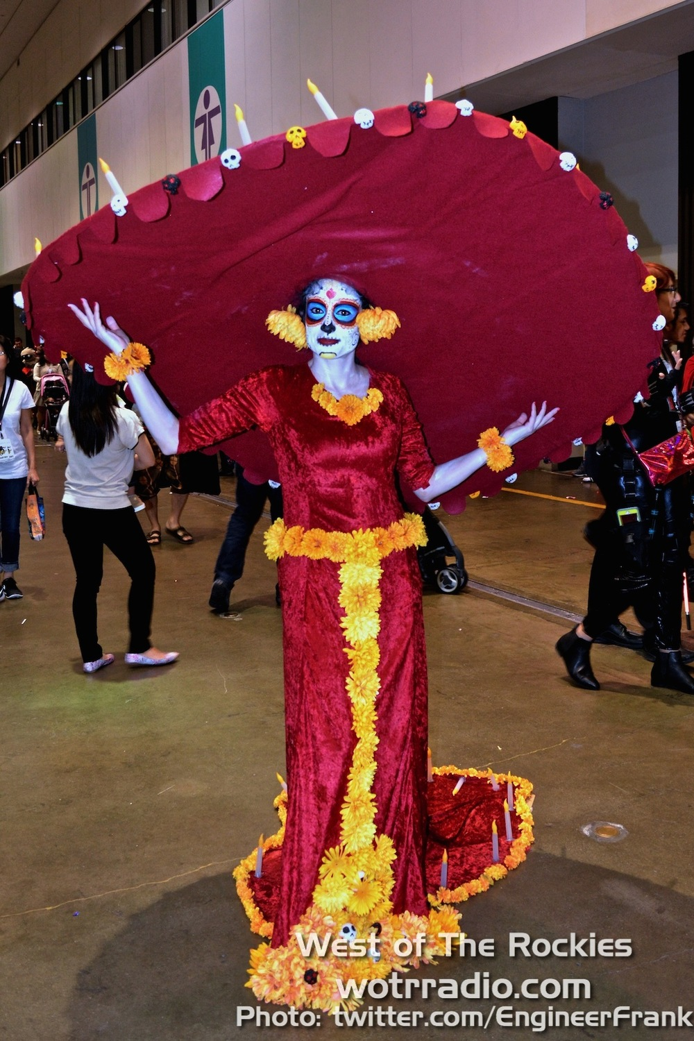 Going all out with this halloween costume, à la Book of Life's La Muerte.