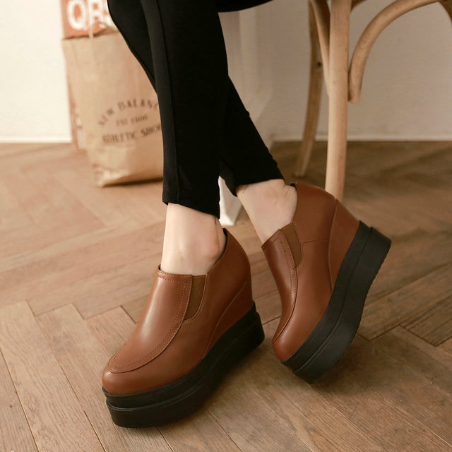 New-fashion-personal-western-style-plain-unisex-casual-flat-flatform-shoes.jpg