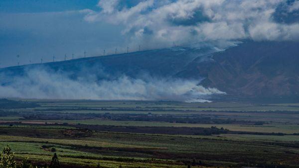 Maalaea Fire smoke seen from Kihei. Credit: Asa Ellison/Hawaii News Now